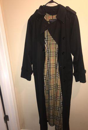 Burberry trench coat (women's) (no waist belt) for Sale in Columbia, SC