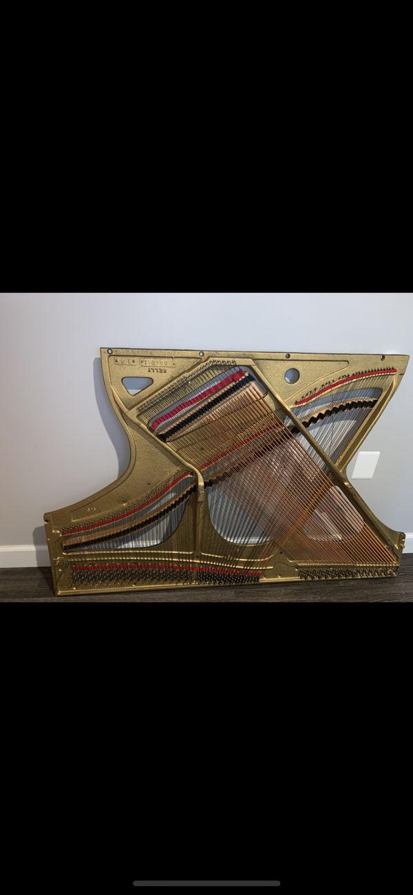 Piano Cast