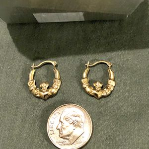 Brand New 14 Karat Gold Earrings for Sale in Vacaville, CA