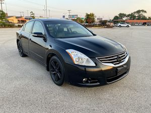 2010 Nissan Altima 3.5 SR V6 with 124k miles for Sale in Milwaukee, WI