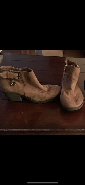 Michael Kors girls short boots suede size 13 $20.00 for Sale in Metairie, LA