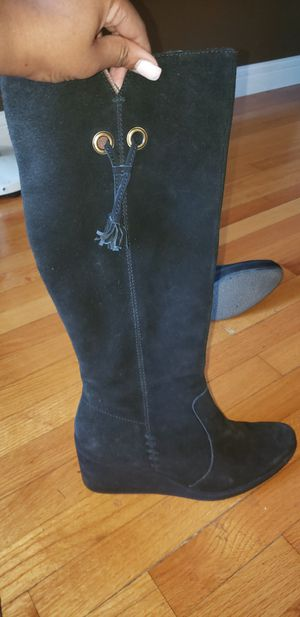 Size 10 Nicole suede boot for Sale in Riverdale, IL