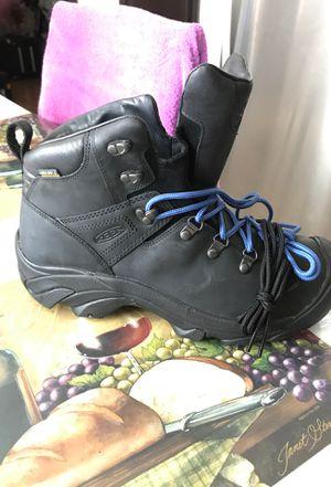 Keen waterproof boots size 10.5(men) for Sale in Romeoville, IL