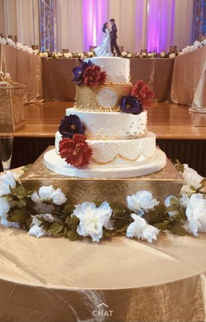 Gorgeous Wedding Cake Stand for Sale in Rockville, MD