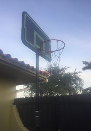 Basketball hoop with chain net for Sale in Miami, FL