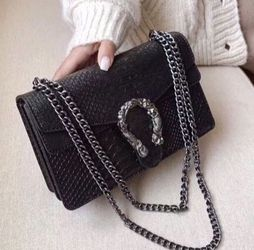 Purse for Sale in Tolleson,  AZ