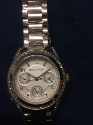 Michael Kors Blair Women's Brand New Watch. MK5612, Sliver tone, Date Calendar. local pickup only , cash only no PayPal for Sale in Queens, NY