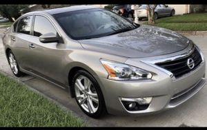 Nissan Altima SL 2013 en excelentes condiciones corre al 💯 precio negociable for Sale in Houston, TX