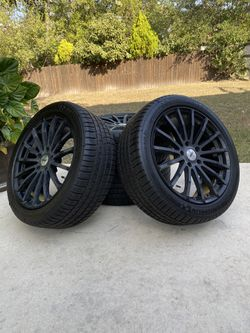 BRAND NEW 245/45 Michelin Pilot Sport TIRES (with 19in TSW rims) for Sale in San Antonio,  TX
