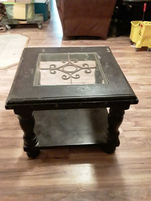 Tables dest picture for Sale in Redmond, OR