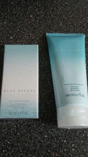 Avon blue Escape for her two piece set for Sale in Cleveland, OH