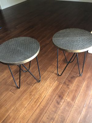 2 end tables for Sale in Redlands, CA