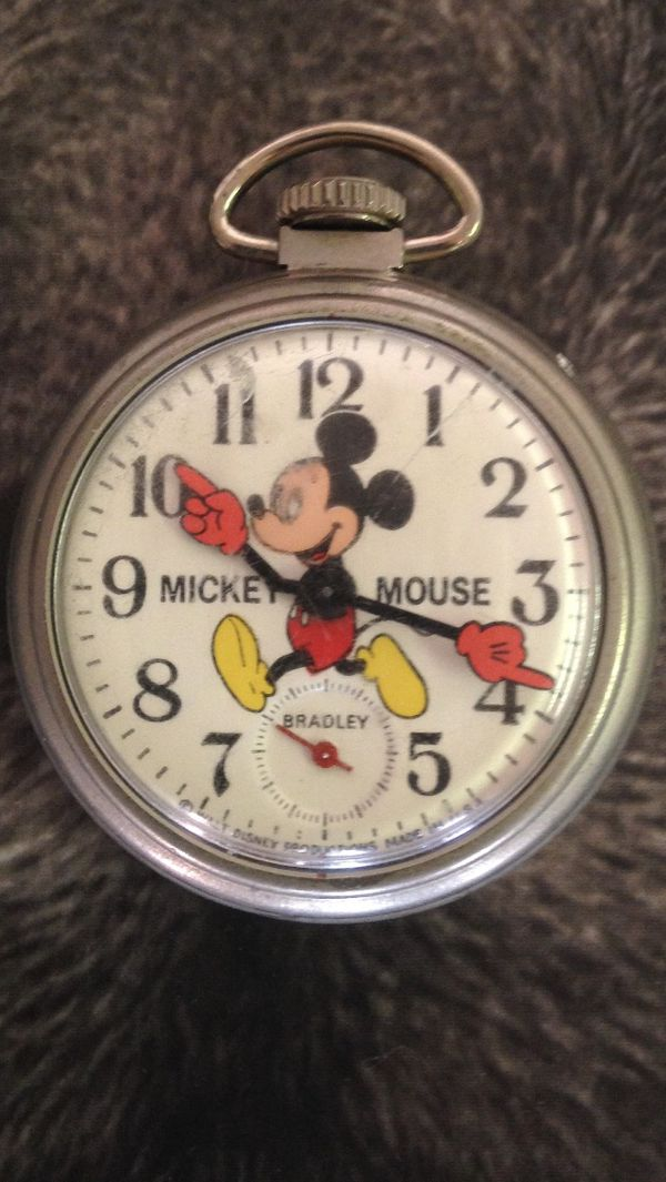 """Classic """"Mickey Mouse"""" Watch"""