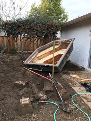 *Limited Edition* Hot Tub FREE! for Sale in San Jose, CA