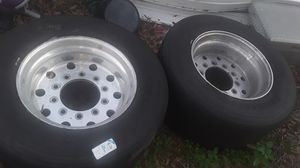 2 good tire and 2 rims for trailer truck for Sale in Davenport, FL