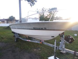 18 ft. Center console project boat for Sale in Tarpon Springs, FL