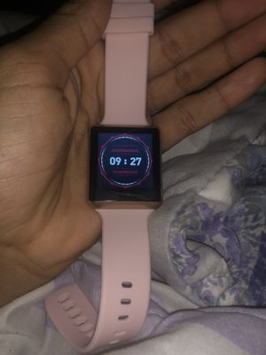 itouch smart watch comes with charger just like apple shoot a price for Sale in Cleveland, OH