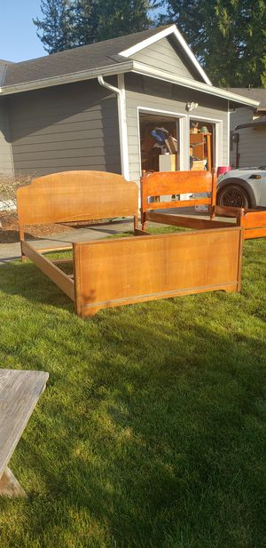 SUPER SWEET SUPER OLD SOLID MAHOGANY FULL SIZE BED WITH SIDES AND RAILS AND ORIGINAL WOODEN CASTERS for Sale in Auburn, WA