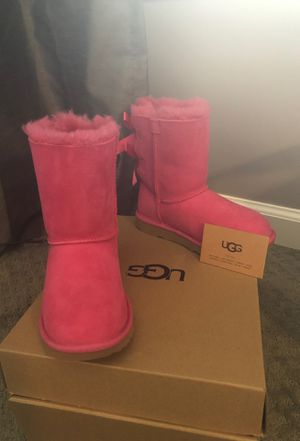 Never worn UGG toddler boots for Sale in Decatur, GA