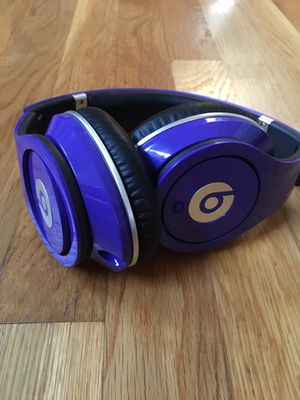 Beats Studio headphones (not wireless) for Sale in Boston, MA