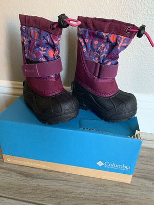 Columbia snow boot for girls size 6 for Sale in San Bernardino, CA