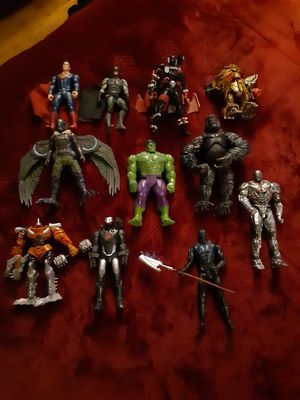 Small Action Figure Lot for Sale in Kalamazoo, MI
