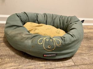 Small dog bed super warm and comfy! for Sale in Clayton, NC