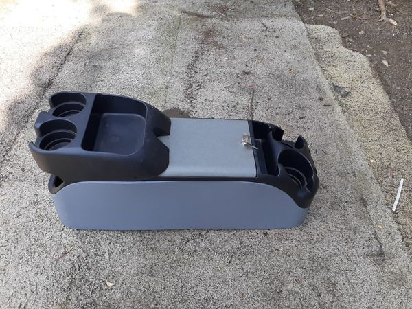 CUSTOM CENTER CONSOLE COMES WITH KEYS SIZE 8 X 27
