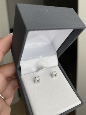 Diamond earrings for Sale in Buckeye, AZ