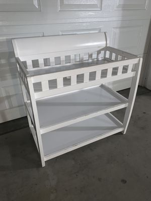 Graco Delta white changing table $50 OBO for Sale in Whittier, CA