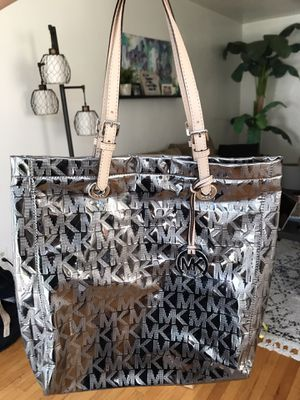 NEW - Michael Kors Tote in silver/ chrome for Sale in San Diego, CA