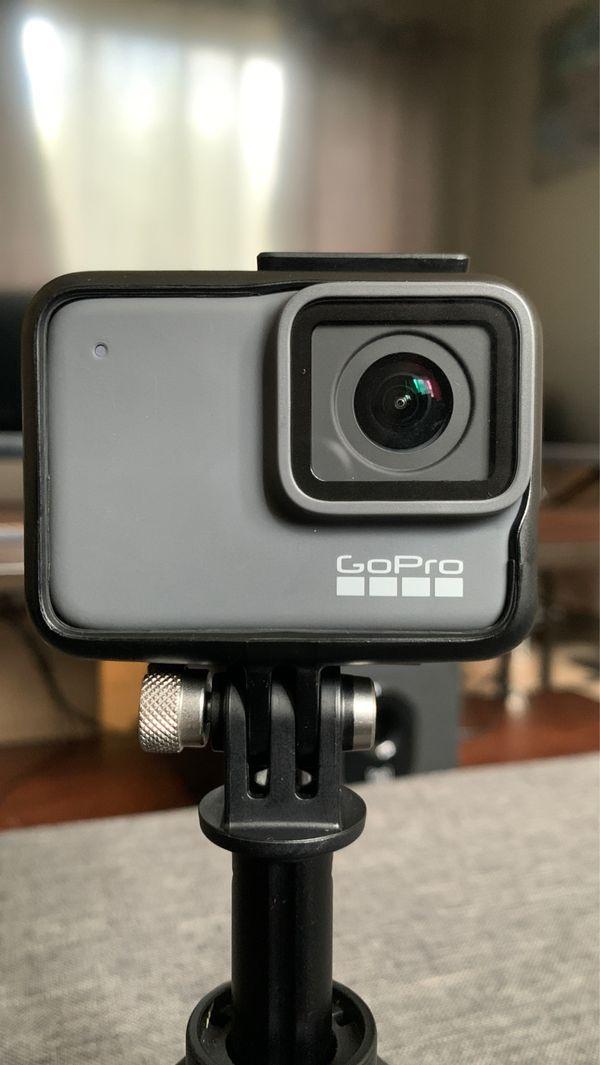 GOPRO HERO7 SILVER 4K ( With Handheld Stabilizer)