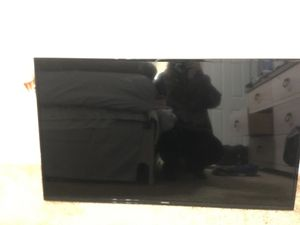 """SAMSUNG 43"""" LED Smart TV- w/ mount and wall bracket for Sale in Rancho Cucamonga, CA"""