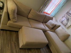 Sectional W/ Ottoman $500 for Sale in Richardson, TX