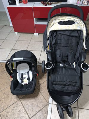 GRACO CAR SEAT AND STROLLER for Sale in Garland, TX