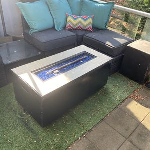Fire Pit w/ Side Table (covers propane tank) for Sale in Upper Marlboro, MD