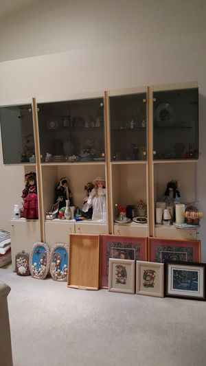 Cabinet with drawers and lights for Sale in Tamarac, FL