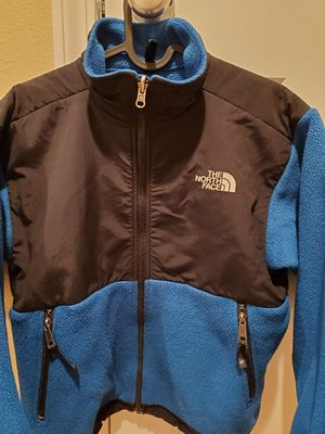 The north face denali Youth jacket size Medium for Sale in Auburn, WA