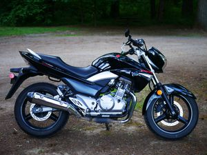 2013 Suzuki GW (GSR-Japan) naked bike, just serviced, USB phone for Sale in Vancouver, WA