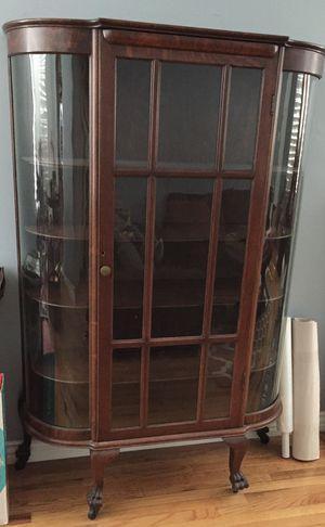 Antique wood curio cabinet for Sale in Pico Rivera, CA