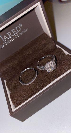 Diamond Engagement Ring 7/8 ct tw Round 14K White Gold and wedding band Diamond Engagement Ring 7/8 ct tw Round 14K White Gold Two additional rows for Sale in San Bernardino, CA