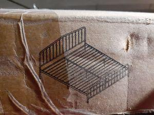Bushwick platform bed frame for Sale in Mesquite, TX