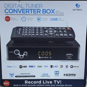 Digital tuner converter box for Sale in Miami, FL