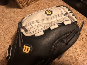 Wilson Youth Baseball Glove. Brand New. for Sale in Las Vegas, NV