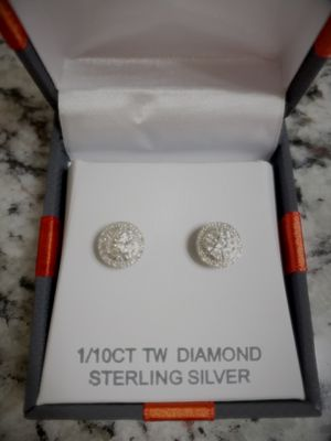 Brand New Genuine 9.3mm Diamond Earrings for Sale in Venice, FL