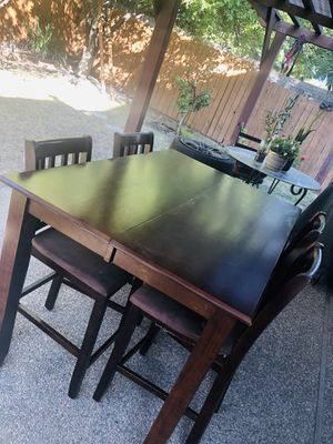 Used dining table with 4 chairs (for pick up only) for Sale in Sacramento, CA