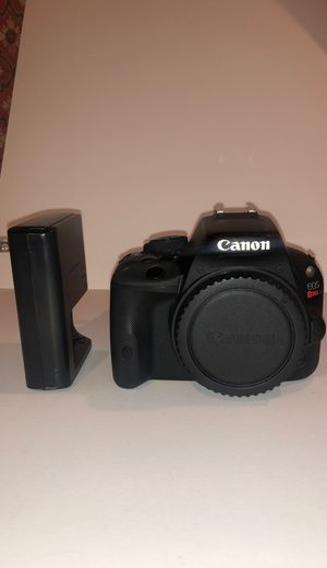 Canon EOS Rebel SL1 / EOS 100D 18.0MP Digital SLR Camera BODY w/ Charger - Black for Sale in Hicksville, NY