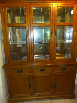 China Cabinet/Hutch, with glass shelves and lights. Lots of storage. for Sale in La Habra, CA