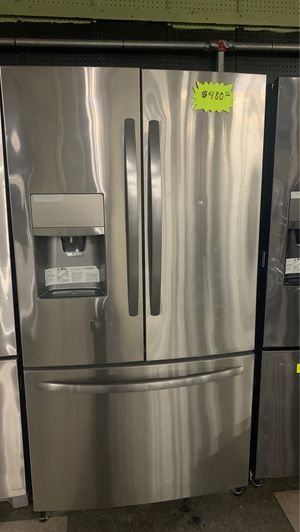 Frigidaire French doors stainless steel refrigerator in good condition for Sale in Elkridge, MD