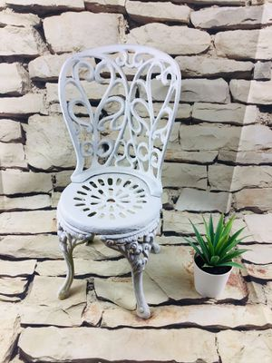 """Metal Antique doll chair 14"""" tall for Sale in Sacramento, CA"""